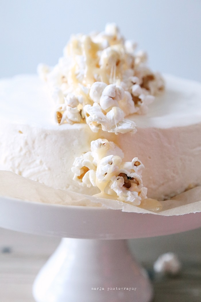 cheesecake with caramel and popcorn10